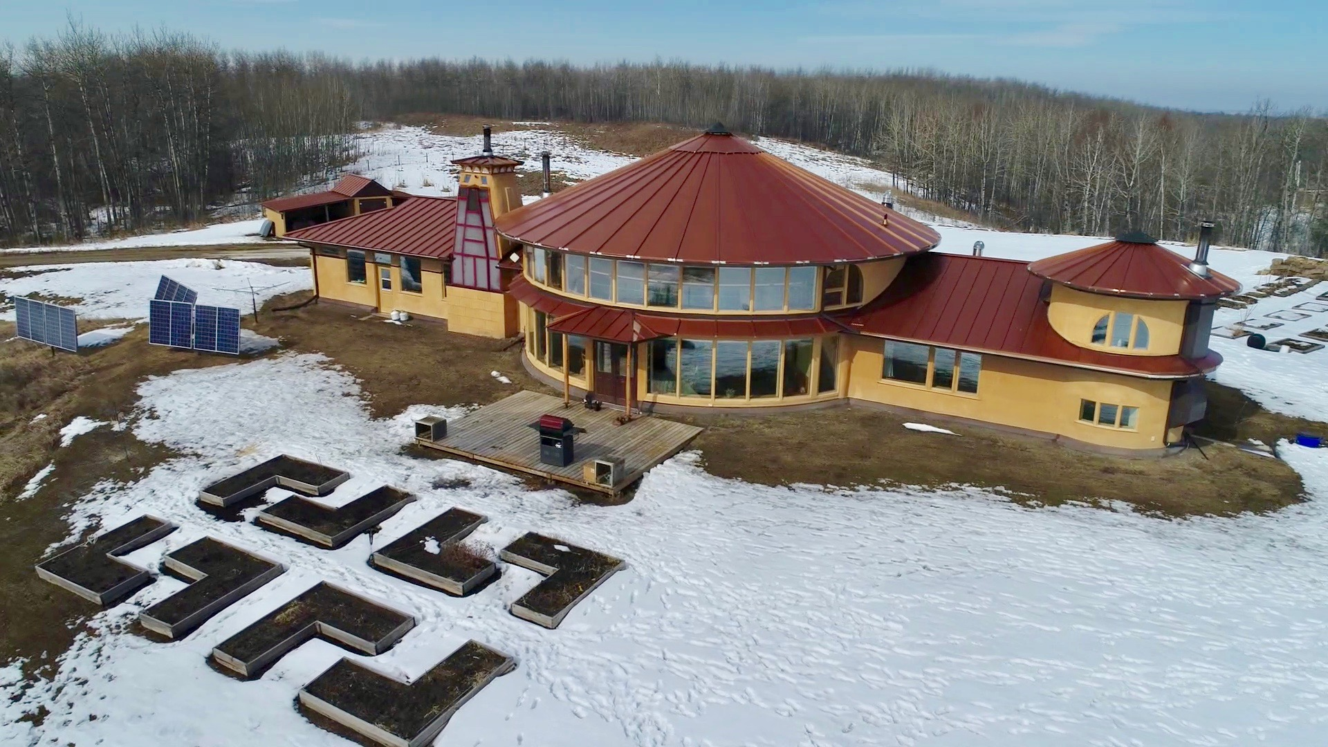 Solar Dragon House - Aerial South View